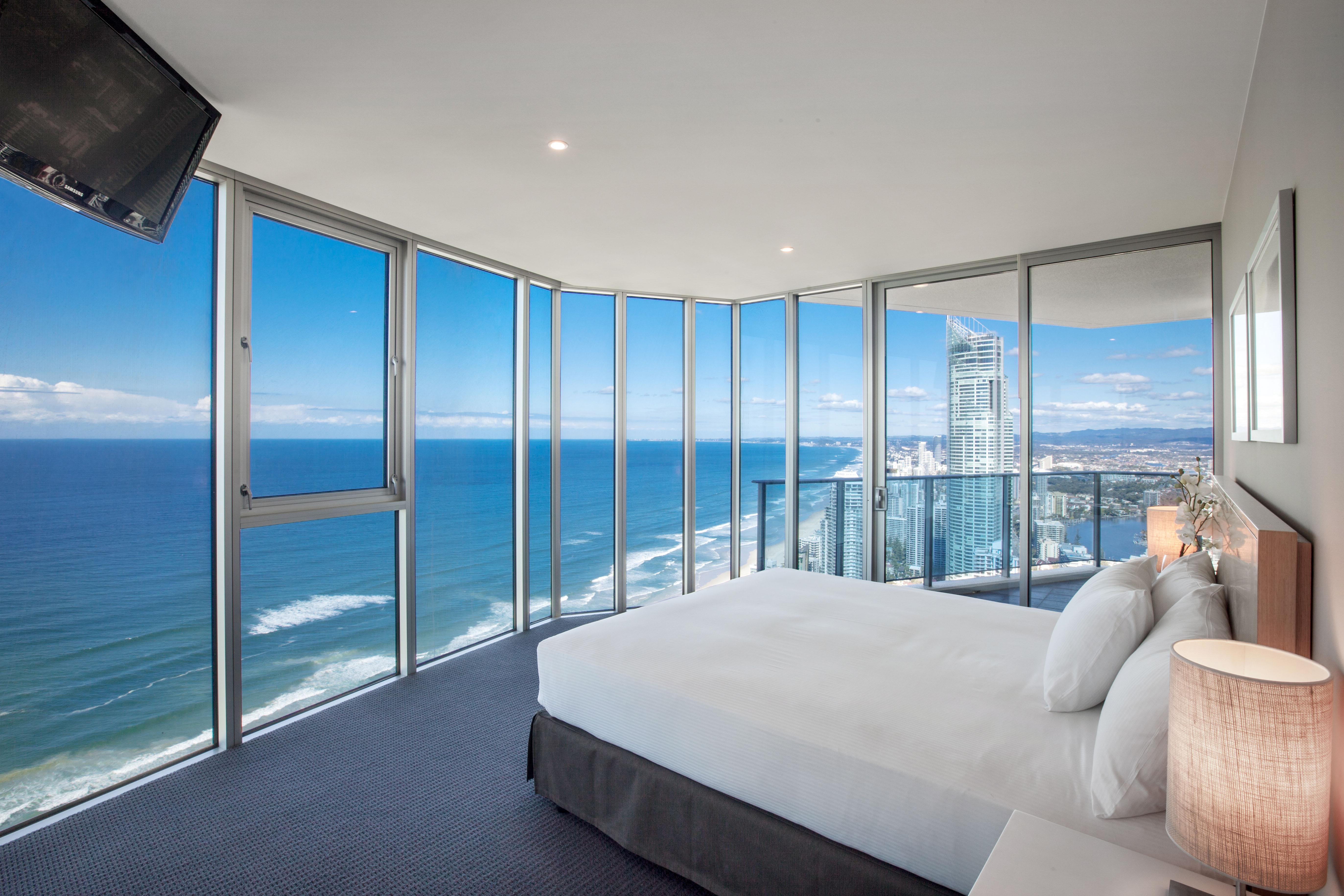3 Bedroom Apartments Surfers Paradise