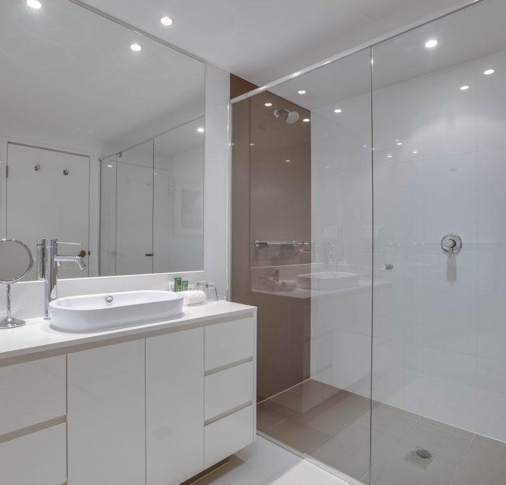 1-bedroom-residence-bathroom
