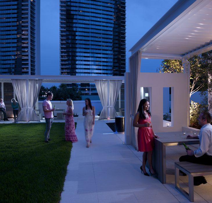 Outdoor Spaces - Hilton Surfers Paradise